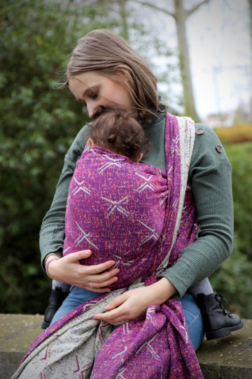 Yaro Nova Ultra Raspberry Straw Modal Ring Sling