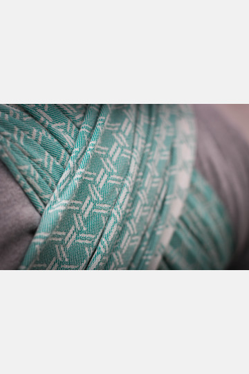 Yaro Basket Emerald Ring Sling